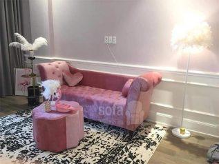 Băng ghế sofa vải nhung giá rẻ màu hồng kiểu dáng tân cổ điển không trang trí cầu kì mà đơn giản nhưng kết cấu chắc chắn, đẹp nhỏ gọn SV152